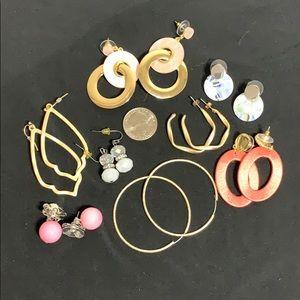 8 pairs of earrings
